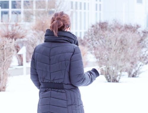 Vom gefeierten Filmstar zur einsamen Frostbeule im Winter – Wie das Rauchen immer mehr aus der Gesellschaft verschwand